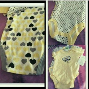 Nwt Girls 3 pack bodysuit 0 to 3 months